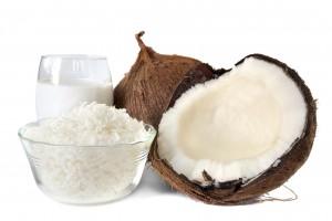 Immagine di una noce di cocco, latte e farina di cocco