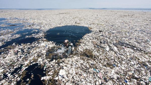 L'isola di plastica in mezzo all'Oceano Pacifico