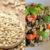 Immagine di orzo e insalata