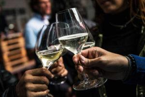 Immagine di vino bianco frizzante