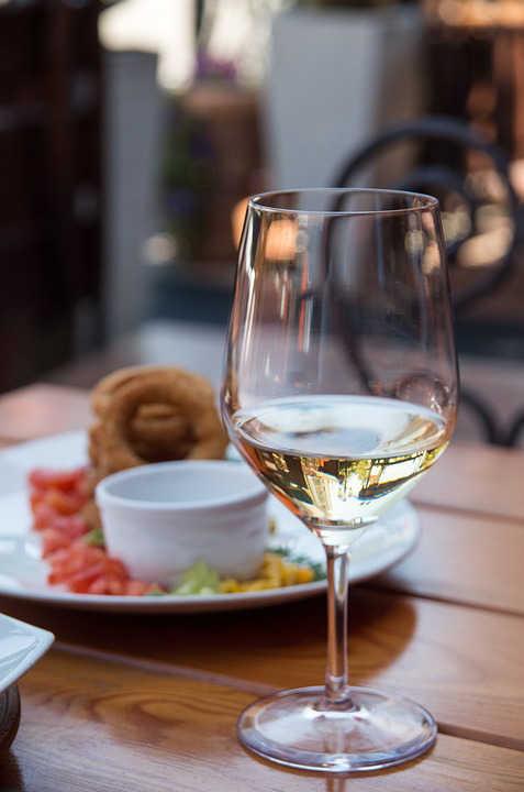 Immagine di bicchiere di Malvasia bianco